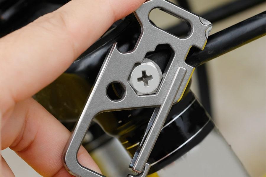 Карабин титановый многофункциональный R&S