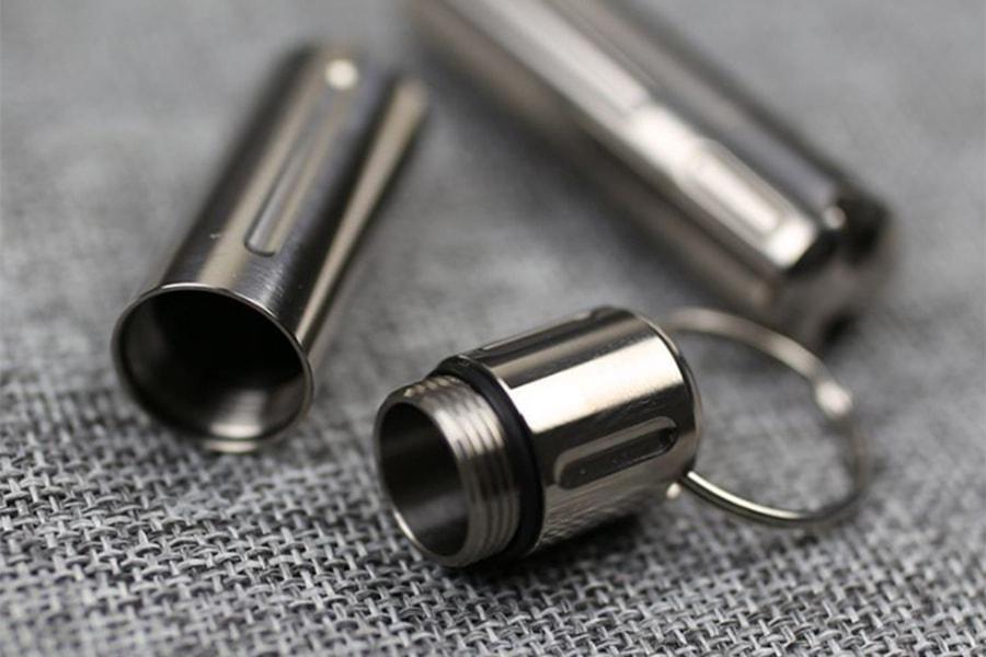 Титановый брелок-капсула EDC-Line