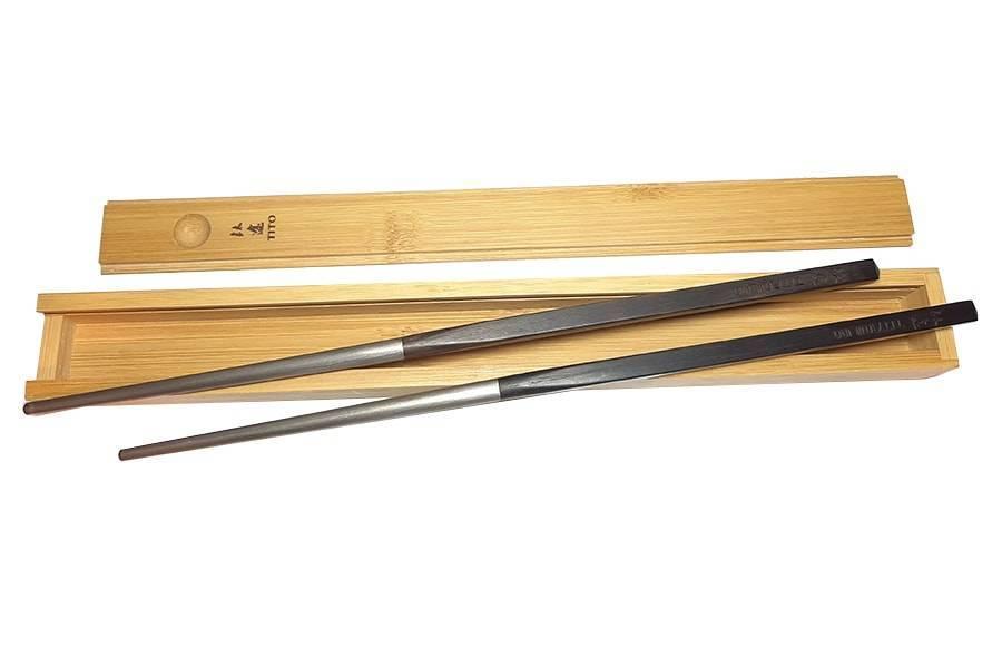 Титановые палочки для суши Titanium в подарочной упаковке из палисандра